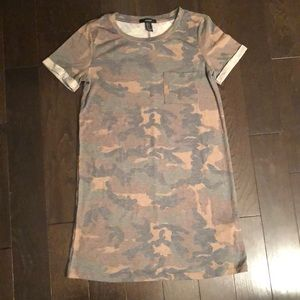 Dresses & Skirts - T-shirt Camo Dress